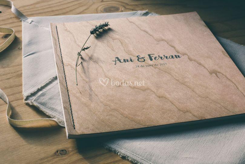 Álbum de madera natural