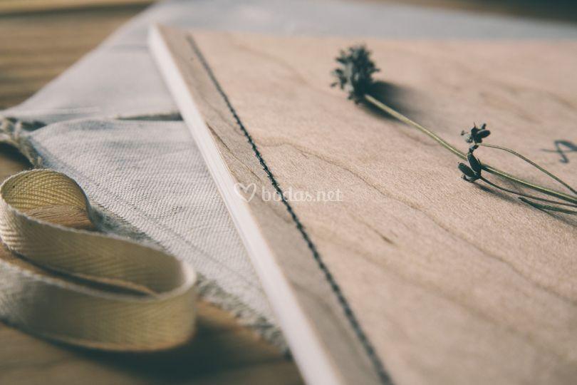 Àlbum de madera natural
