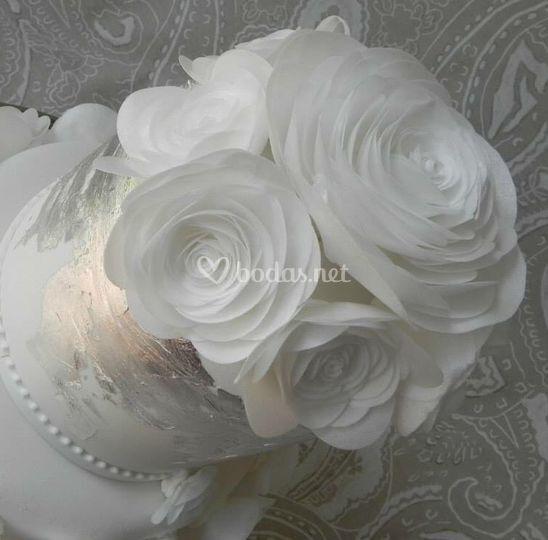 Plata y rosas