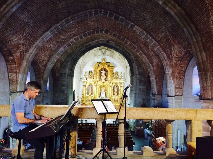 Raúl García al piano