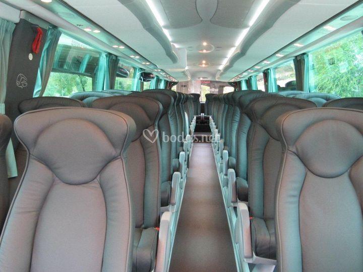 Interior de autocar de lujo