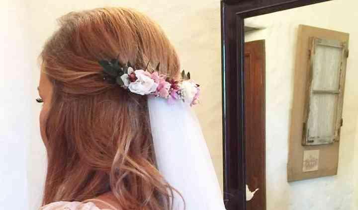 Tocado de novia preservado
