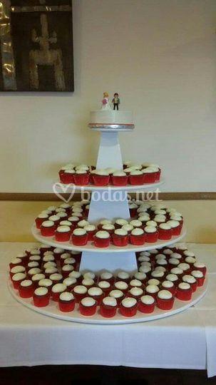 Torre de cupcakes de boda