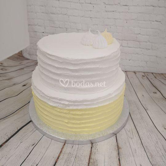 Tarta blanca y amarilla