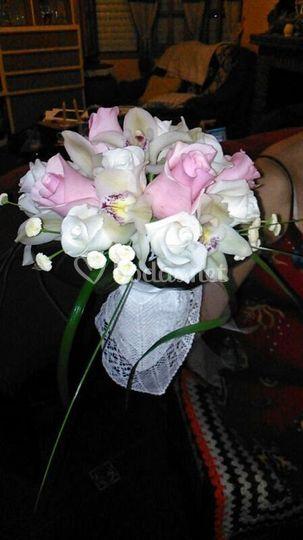 Ramo novia rosas y orquídeas