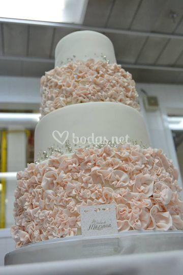 Tarta en rosa y blanco