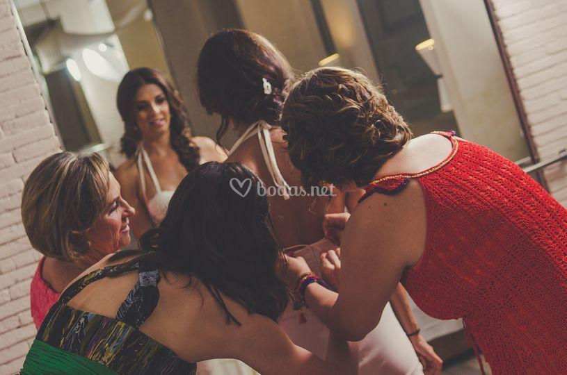 Manos a la novia