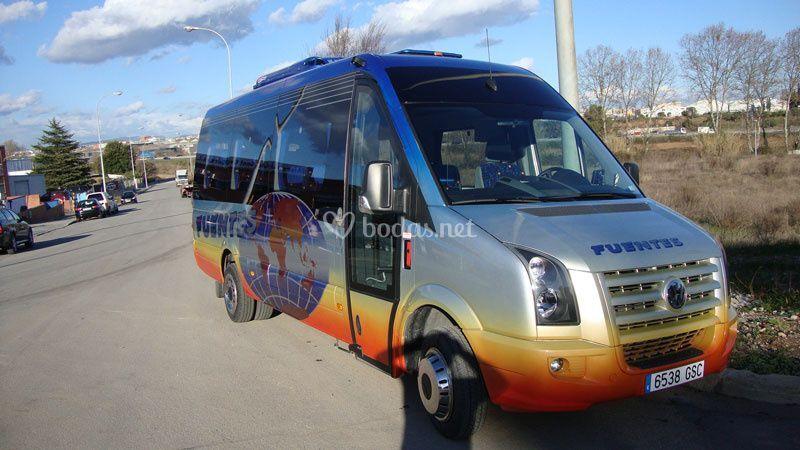Autocar de 15 a 19 plazas