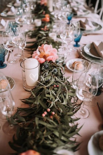 Camino de mesa de banquete