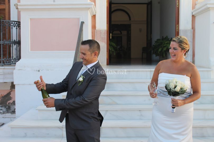 Abriendo el champangne