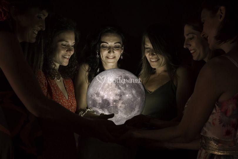 La luna y mis amigas