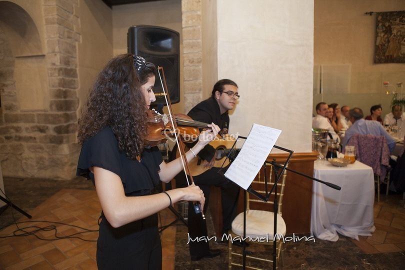 Guitarra y violín flamenco