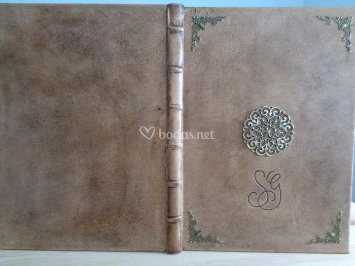 Detalle del libro medieval