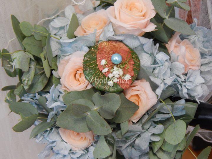 Ramo de novia de rosas eternas