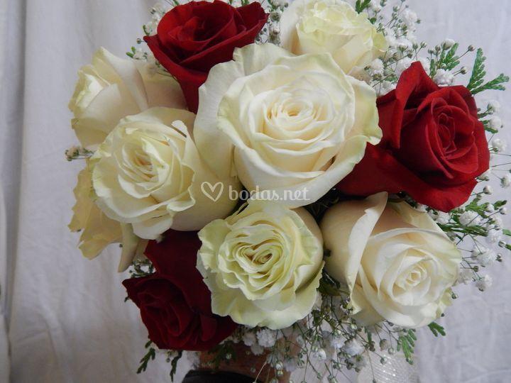 Ramo formal de rosas