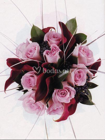 Bouquet de calas y rosas