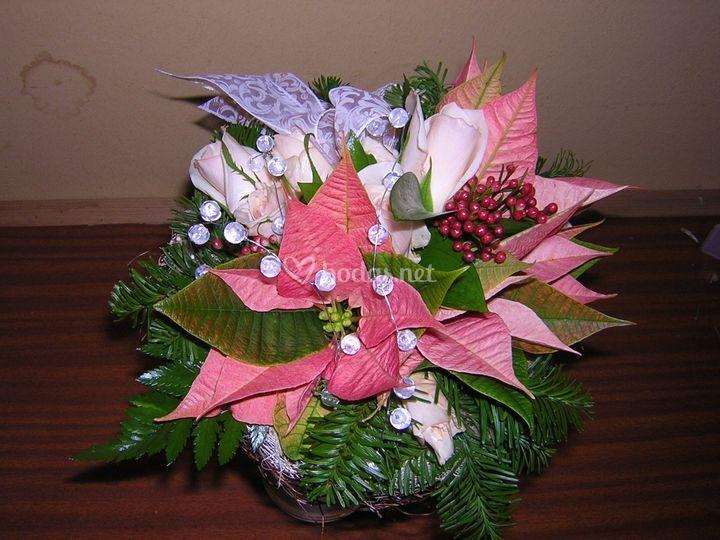 Bouquet flor de navidad y rosas