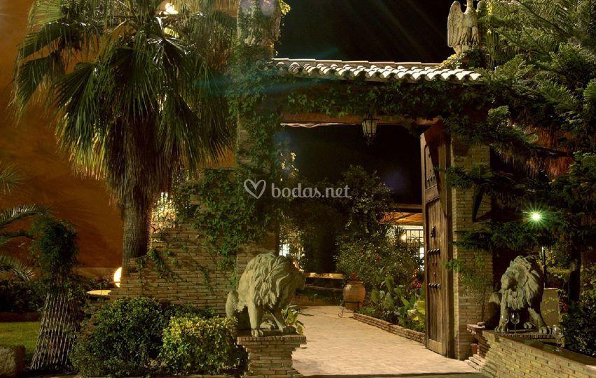 Amplios jardines de mas a jardines de calabarra foto 10 for Rincones de jardines con encanto