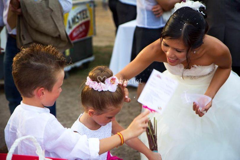 La novia con pequeños