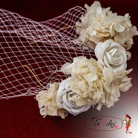 Corona de novia con velo