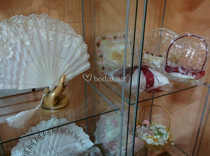 Abanicos, cojines y cestas