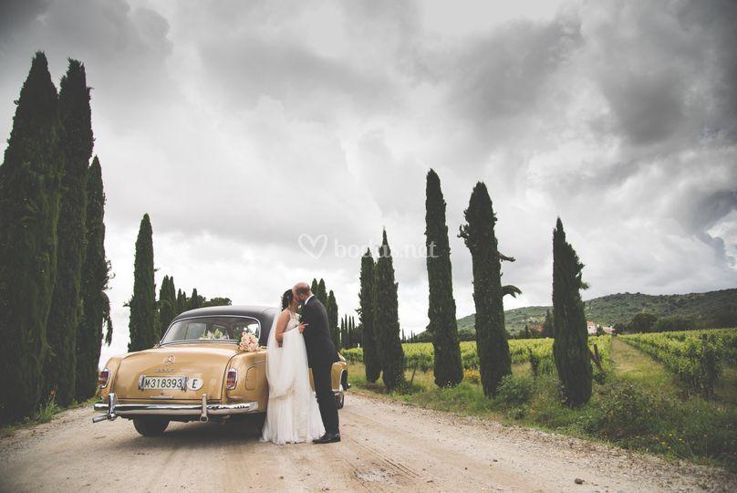 En el coche de bodas