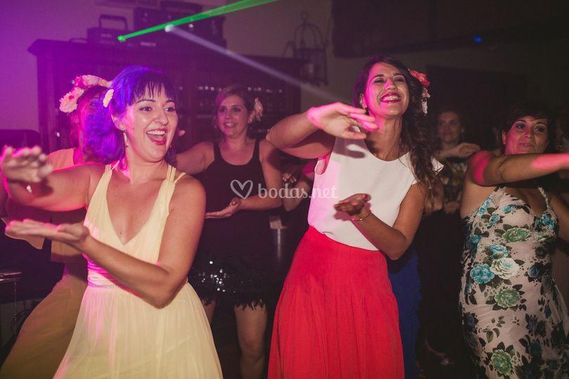Baile de amigas