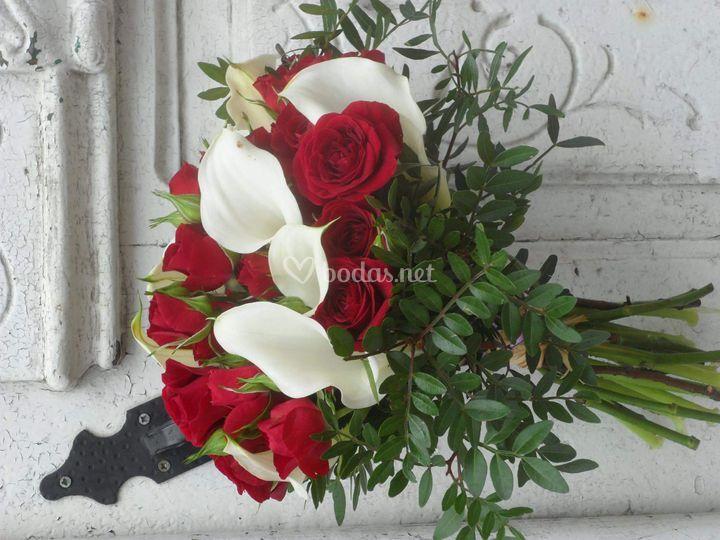 Rosas y calas