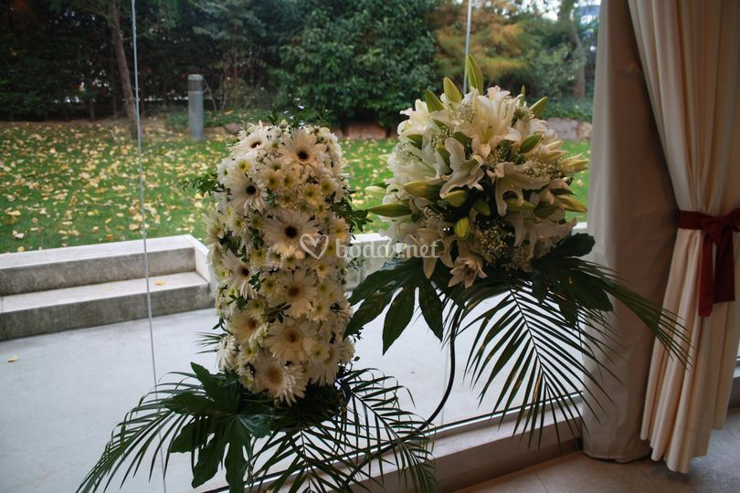 Peana floral doble para restaurante, iglesia