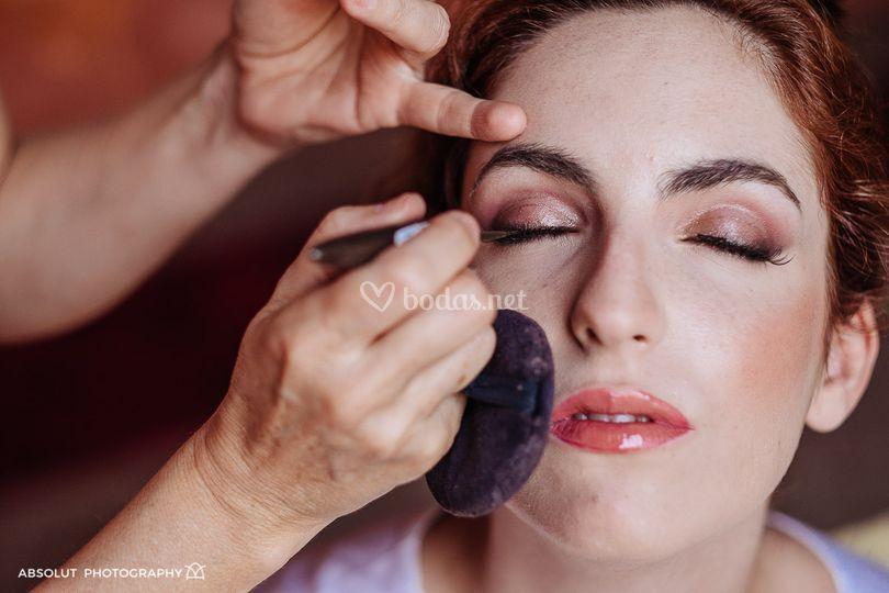 Maquillaje en tonos cobrizos
