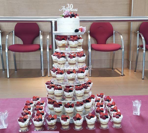 Torre vasitos y tarta