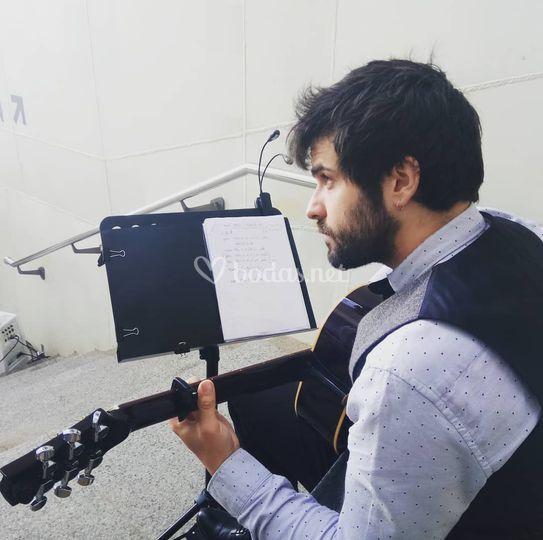 Manu (Guitarra)