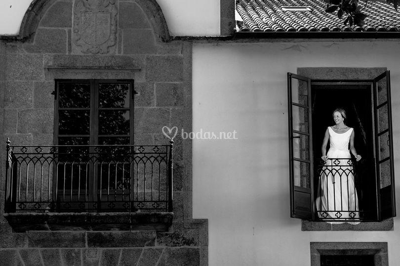 La novia en el balcón