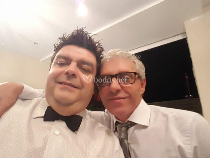 Roberto y Tom, invitado boda