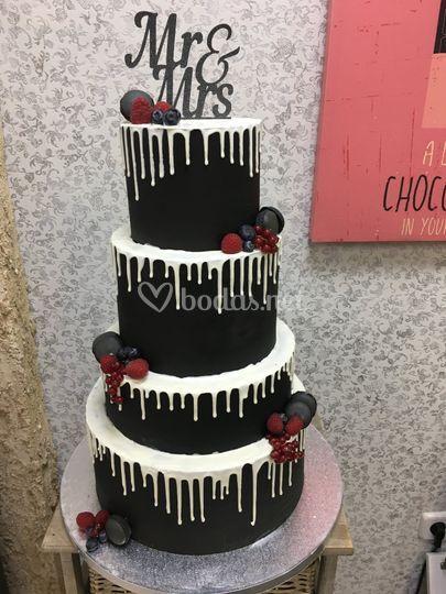 Drip cake chocolate negro