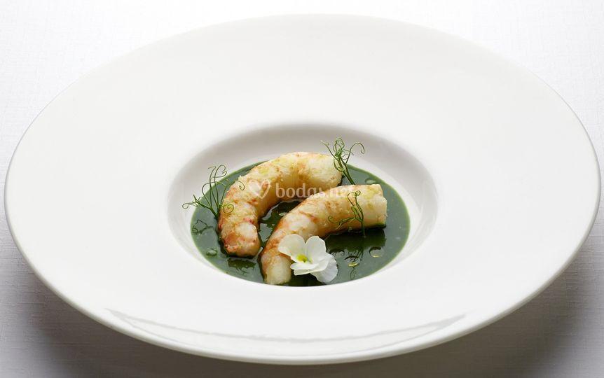 Langostinos y sopa de plancton