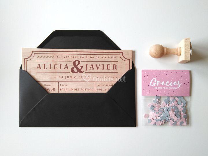 Invitación Ticket + confeti