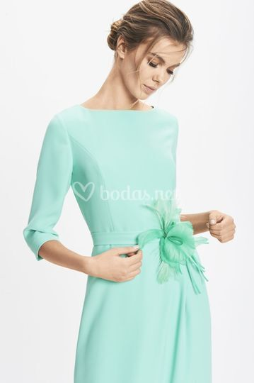 Detalle vestido doble crepe