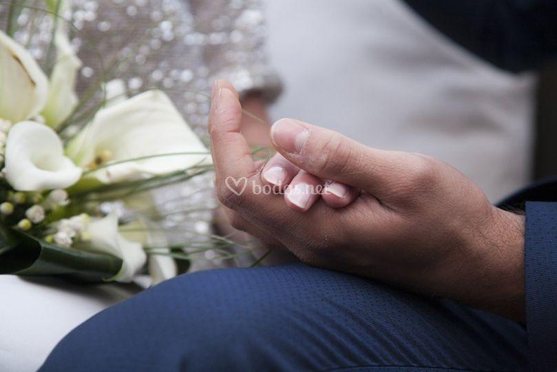 Las manos que se unen