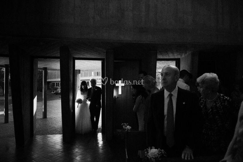 Entrada de la novia con el padrino