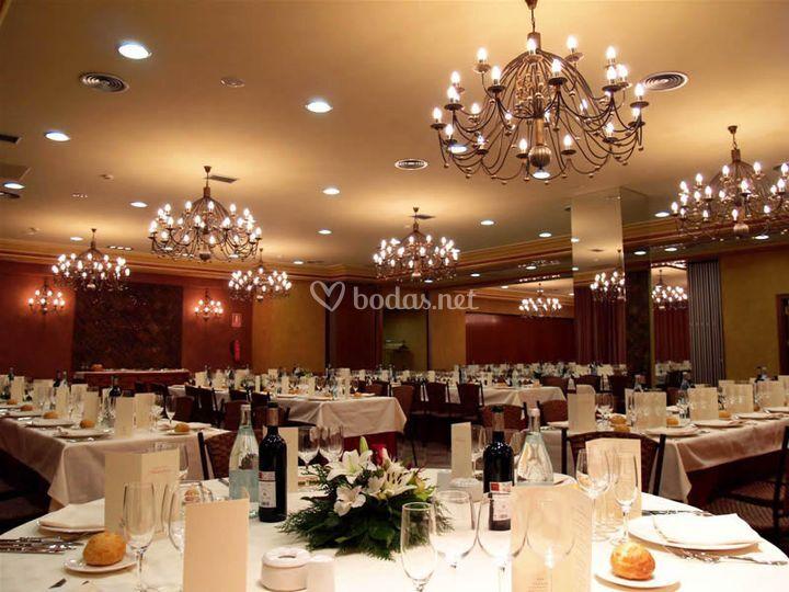 Montaje para banquete de boda