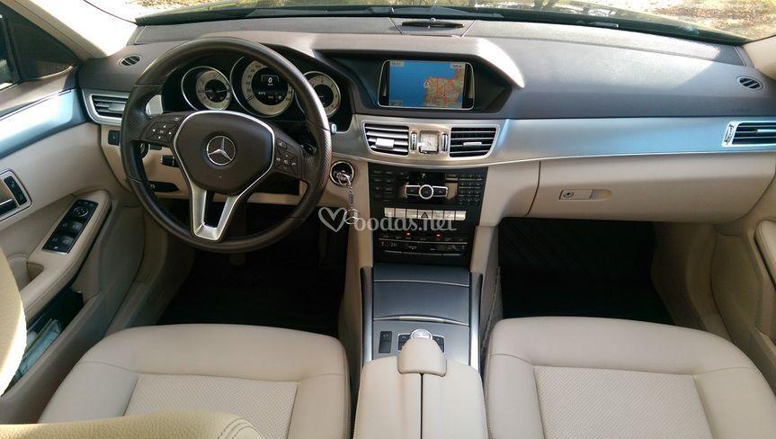 Interior del Mercedes E220