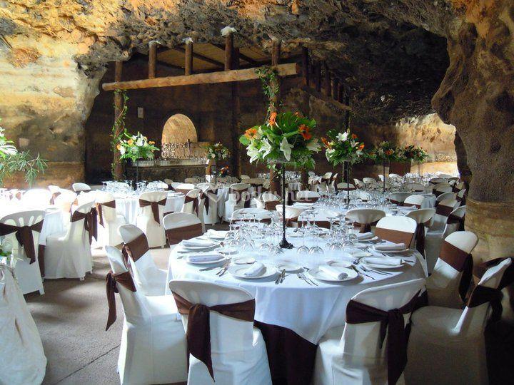 Banquete en la cueva