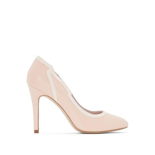 Zapatos de tacón con corte ondulado