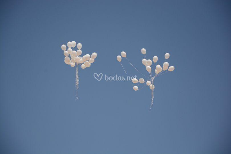 Globos al aire con deseos