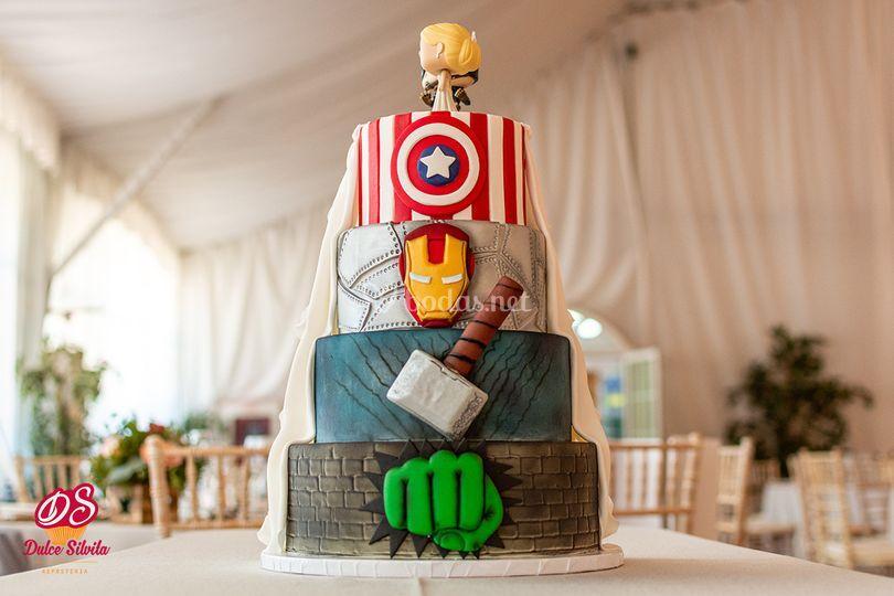 Tarta de boda Marvel