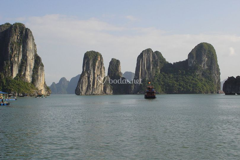 Descubre la Bahia de Halong
