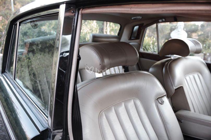 Interior Bentley T2 1977