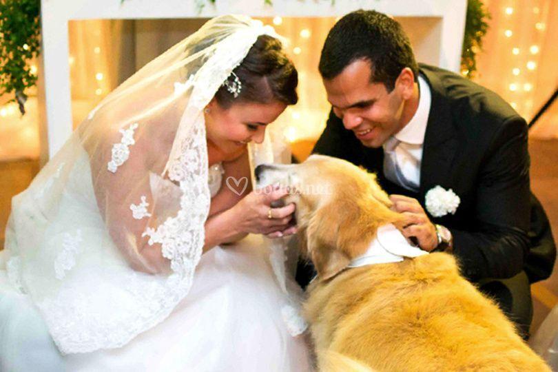 El beso del perro en el altar