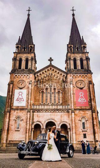 Recién casados en Covadonga
